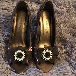 Shoes - Embellished pumps